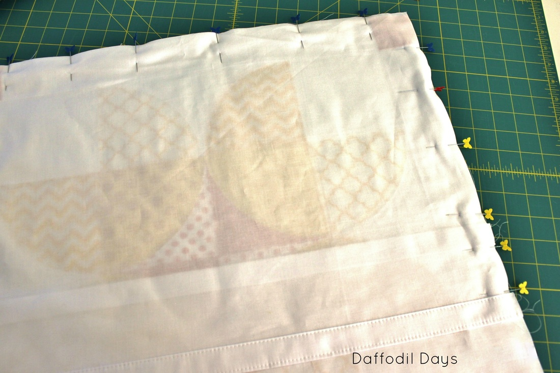 Daffodil Days {Throw Pillow Tutorial} by Sarah Nunes of Berry Barn Designs