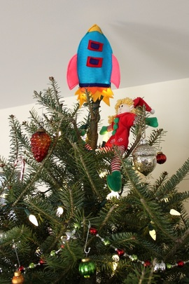 Rocket ship tree topper | Berry Barn Designs blog