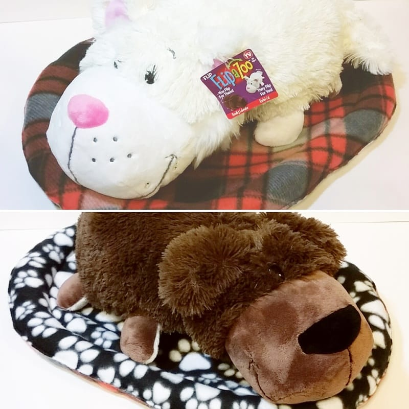 Reversible fleece pet/stuffed animal bed {Sarah @BerryBarnDesigns}